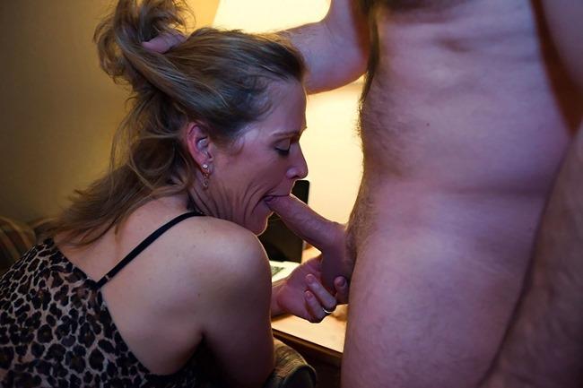wife-bucket-com-amateur-blowjob